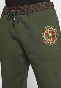 Carlo Colucci - PANT - Tracksuit bottoms - green - 4