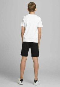 Jack & Jones Junior - JCOSHAWN - Print T-shirt - white - 2