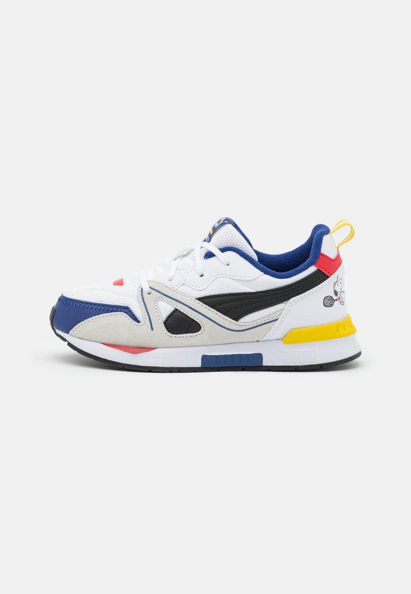 Puma - PEANUTS SNOOPY MIRAGE MOX UNISEX - Sneakers laag - white/ black