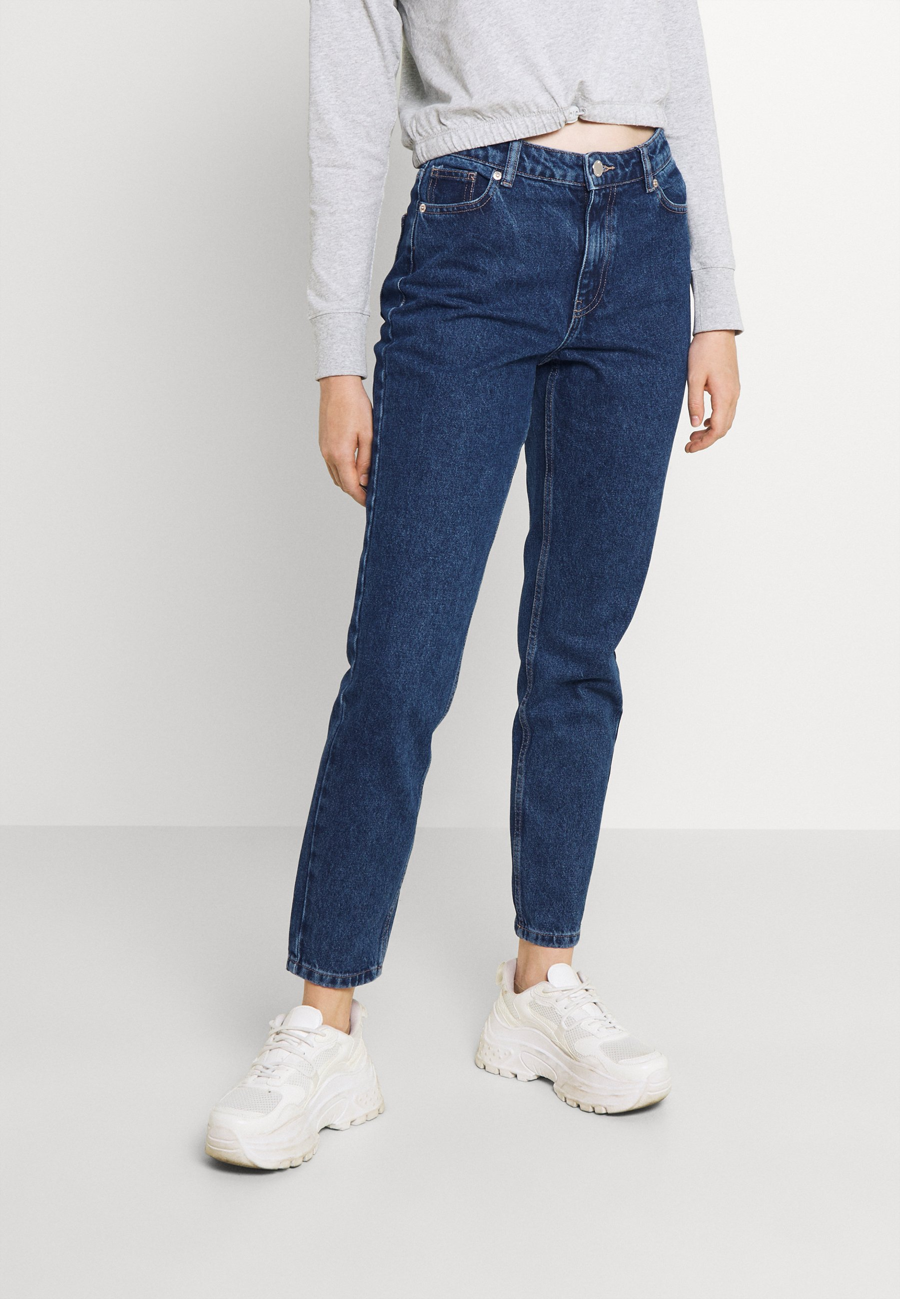 Alle ONLJAGGER LIFE HIGH MOM ANKLE - Jeans Tapered Fit