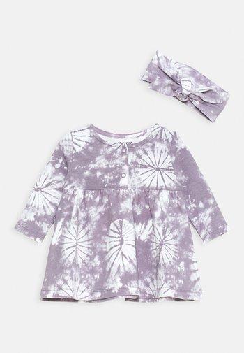 BUNDLE DRESS TIE HEADBAND - Jersey dress - dusk purple