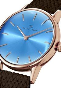 August Berg - UHR SERENITY SKY BLUE DARK BROWN PERLON 32MM - Watch - sky blue - 2