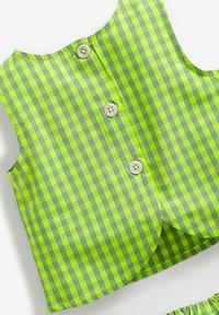 Next - Shorts - green - 3