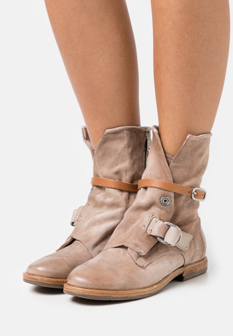 A.S.98 - Cowboy/biker ankle boot - dust