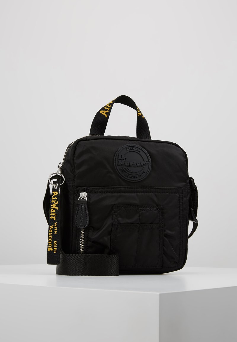 Dr. Martens - SUPER MINI BAG - Bandolera - black