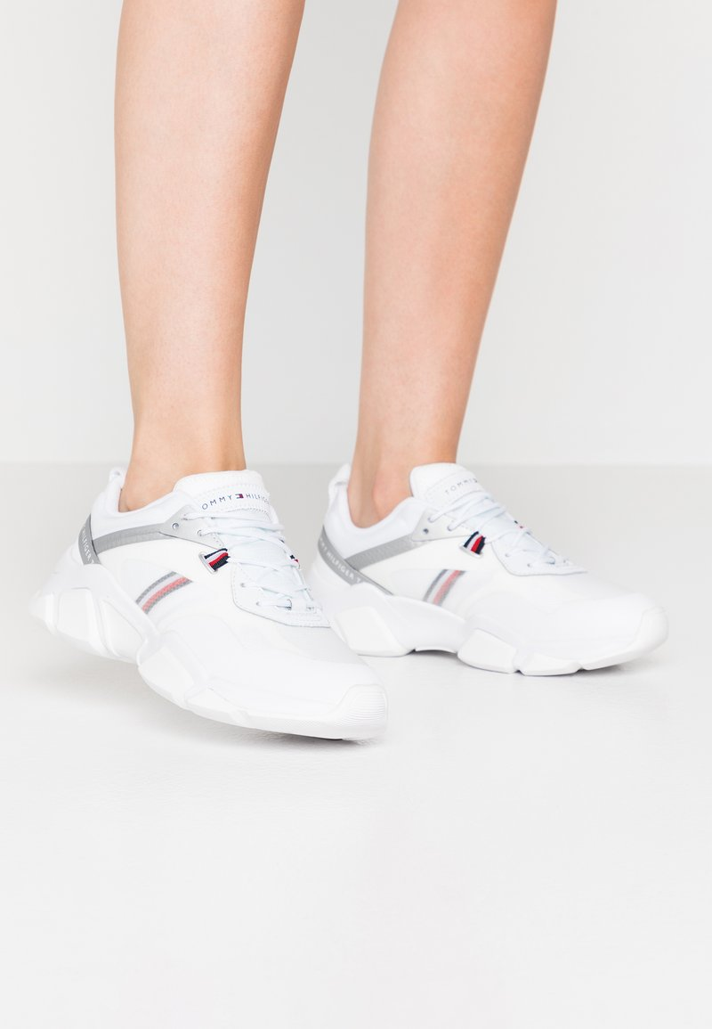 Tommy Hilfiger - TECHNICAL CHUNKY - Trainers - white/silver