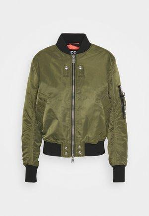 W-SWING JACKET - Bomber bunda - military green