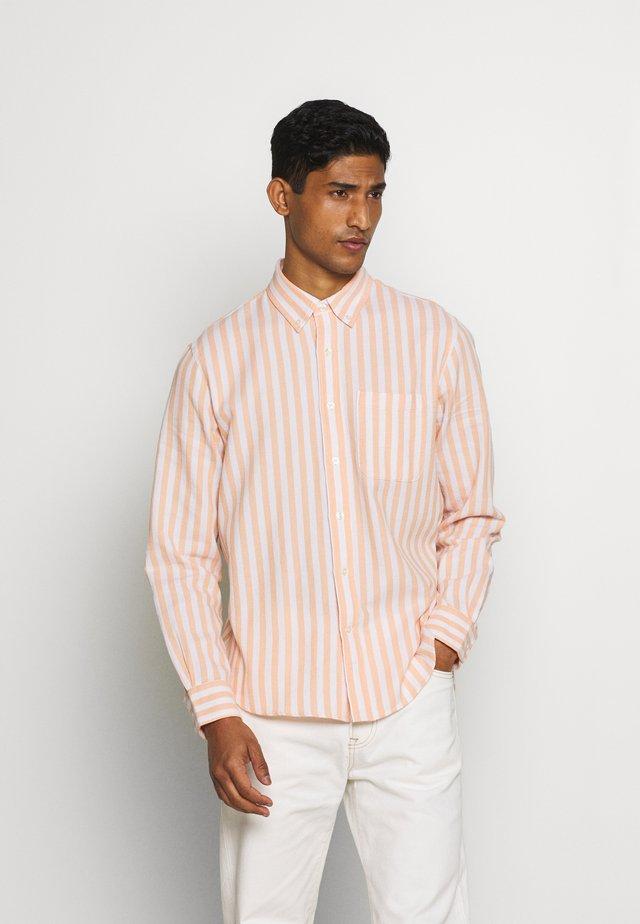 STANDARD WAFFLE STRIPE - Shirt - coral/multi
