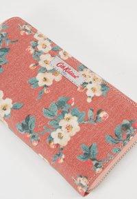 Cath Kidston - CONTINENTAL ZIP WALLET - Peněženka - dusty pink - 2