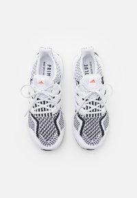 adidas Performance - ULTRABOOST 5.0 DNA UNISEX - Nøytrale løpesko - footwear white/core black - 3