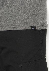 Newport Bay Sailing Club - MULTI TEE MARLS 7 PACK - T-shirt basique - dark blue/dark grey/bordeaux/tan/dark olive - 6