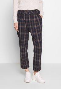 Trendyol - Spodnie materiałowe - multi color - 0