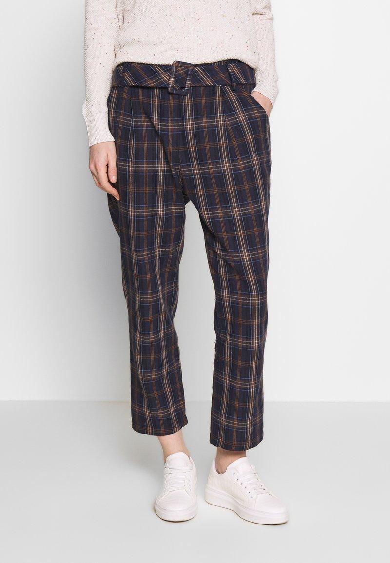 Trendyol - Spodnie materiałowe - multi color