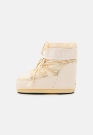 CLASSIC LOW - Winter boots - cream