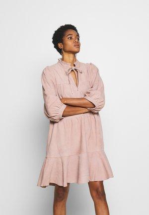 SLFLINDA DRESS - Day dress - rose