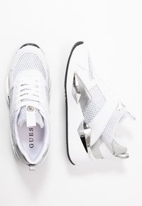 Guess - TYPICAL - Joggesko - white - 3