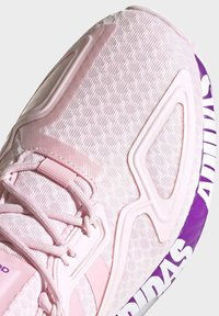 adidas Originals - ZX 2K BOOST SCHUH - Trainers - pink - 9