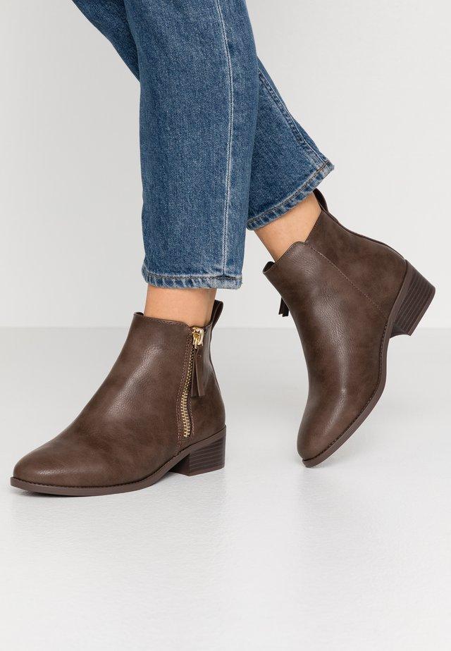 WIDE FIT MAREN JODPHUR  - Ankle boots - tan