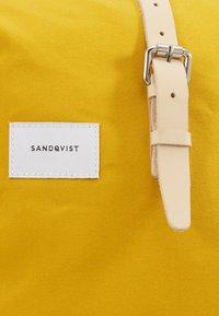 Sandqvist - DANTE - Rucksack - yellow - 3