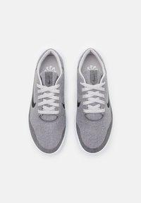 Nike Golf - VICTORY G LITE - Golfové boty - neutral grey/black/white - 3