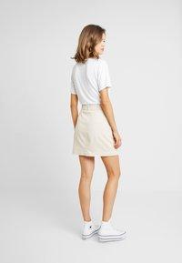 NA-KD - BELTED SKIRT - Mini skirt - sand - 2