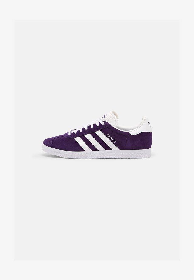 GAZELLE SHOES - Trainers - rich purple/ftwr white/ftwr white
