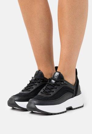 CHAPLIN TRAINER - Sneakers laag - black