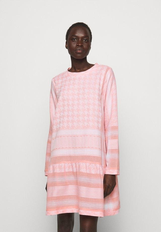 DRESS LIGHT - Sukienka letnia - flush