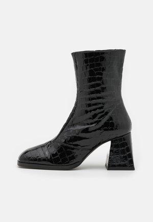 MISTRESS SMART BLOCK BOOT - Classic ankle boots - black