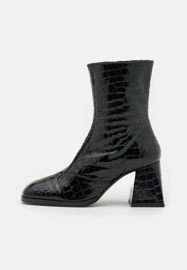 MISTRESS SMART BLOCK BOOT - Korte laarzen - black
