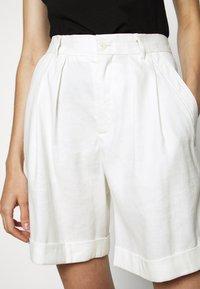 CLOSED - JANIE - Shorts - ivory - 5