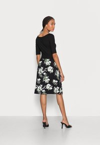 Anna Field - BOAT NECK PRINT DRESS WITH SOLID SKIRT - Jersey dress - black - 2