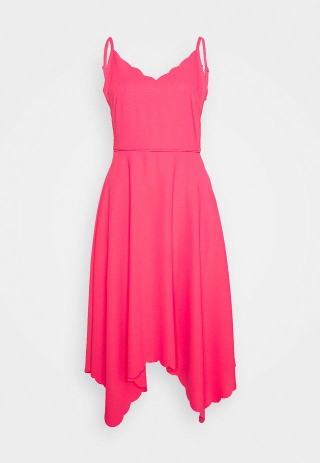 SIMBAH - Korte jurk - pink