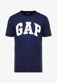 GAP - ORIG ARCH  - T-shirt z nadrukiem - tapestry navy - 3