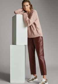 Massimo Dutti - Leather trousers - bordeaux - 4