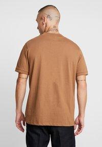 Topman - TOBACCO TURTLE - T-shirt basic - brown - 2