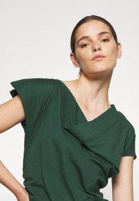 Vivienne Westwood - UTAH DRESS - Jersey dress - green - 3