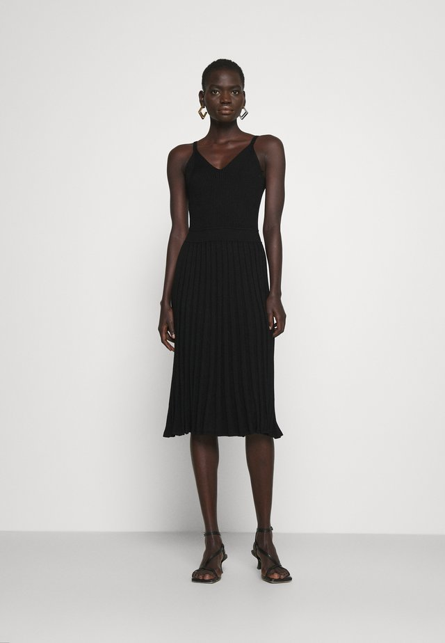 CAMI TOP PLEATED MIDI DRESS - Cocktail dress / Party dress - black