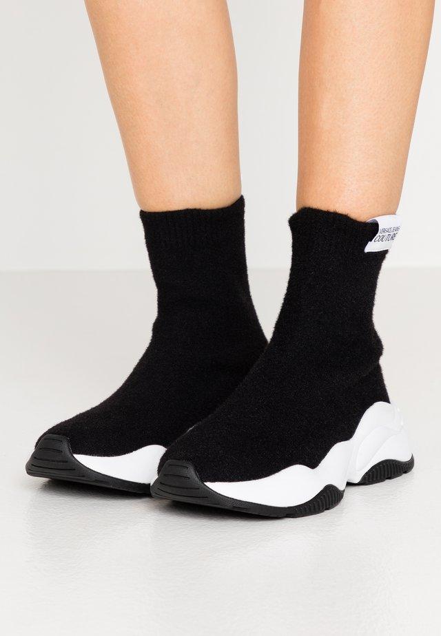 CHUNKY SOLE - Zapatillas altas - nero