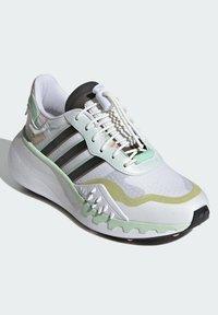 adidas Originals - CHOIGO  - Tenisky - ftwr white/core black/frozen green - 2