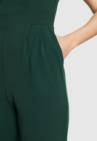 WAL G. - HEIDI LOW V NECK - Jumpsuit - forest green - 6
