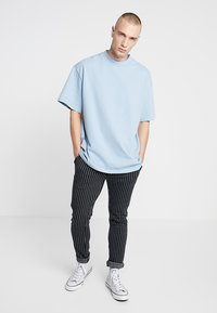 Weekday - GREAT OVERSIZE  - T-shirt - bas - blue - 1