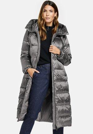 Winter coat - schatten