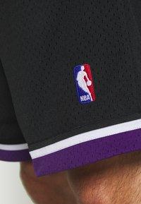 Mitchell & Ness - NBA SWINGMAN SHORTS SACRAMENTO KINGS - Sports shorts - black - 6