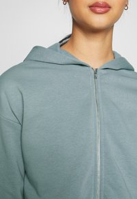 Nly by Nelly - CROPPED ZIP HOODIE - Zip-up hoodie - gray - 5