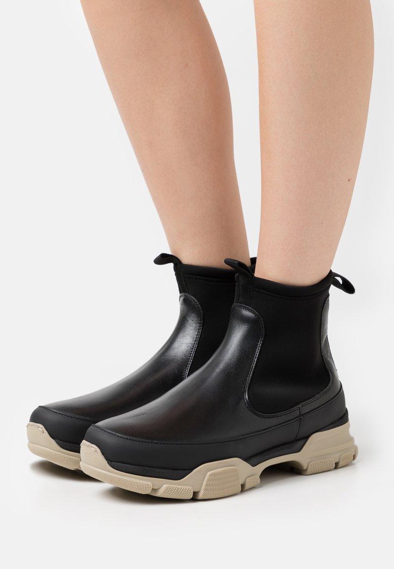 ARKET - CHELSEA - Platform ankle boots - black dark