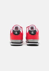 Champion - LOW CUT SHOE ERIN UNISEX - Sports shoes - red - 2