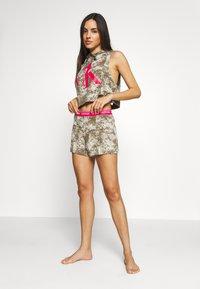 Calvin Klein Underwear - ONE LOUNGE BOOTY  - Pyjama bottoms - muted pine bleach - 3