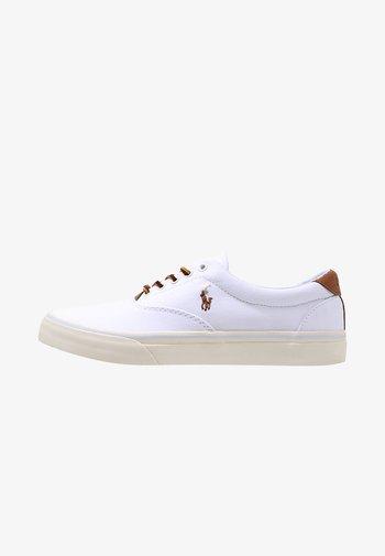 THORTON - Sneakers - white