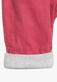 Cotton On - THE BABY PANT  - Stoffhose - carmine pink - 4